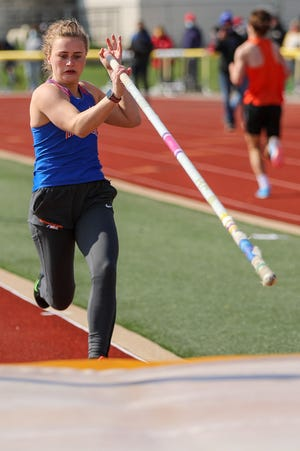 Orange senior Sara Borton has set a goal of earning a return trip to the Division I state meet after placing seventh two years ago. Borton will compete in the pole vault at the University of Tennessee.