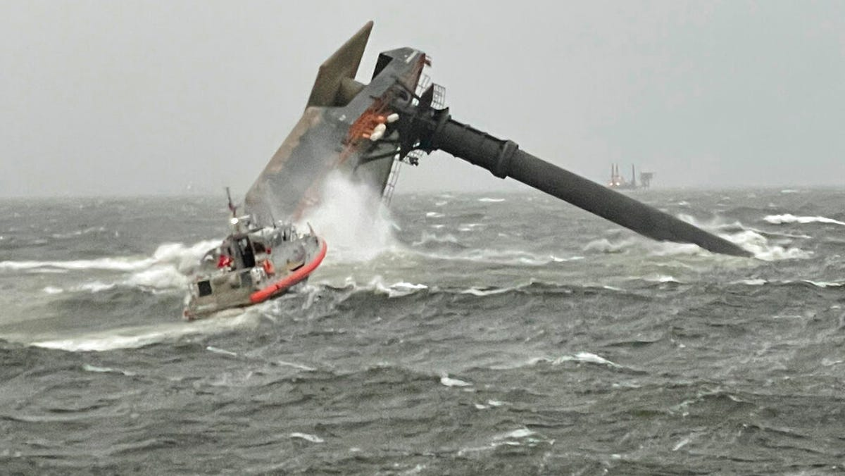 Capsized ship off Louisiana: 12 missing, 1 dead, 6 rescued 2