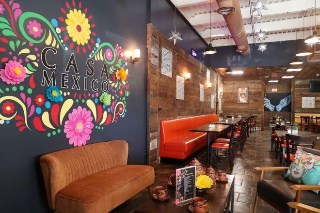 El colorido interior del restaurante Casa México en la Ruta 52 en Hopewell Junction 14 de abril de 2021.