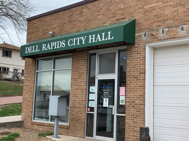 Dell Rapids voters elected new City Council members in Wards 3 and 4 on Tuesday, April 13, 2021.