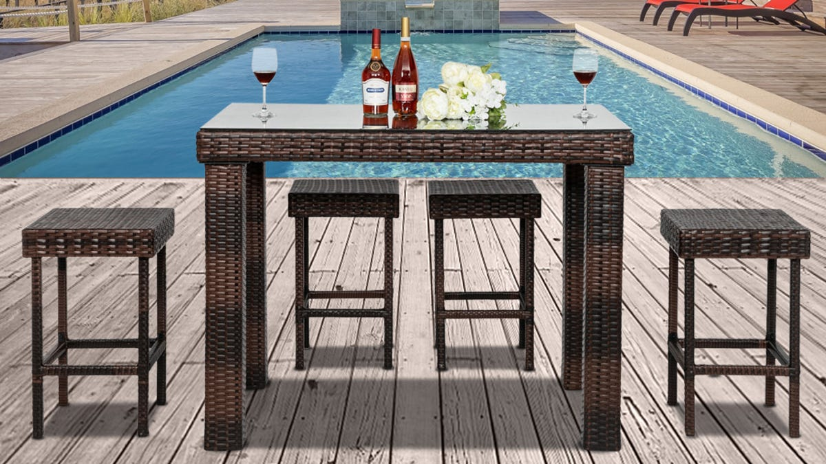 https www usatoday com story money reviewed 2021 04 27 patio furniture save lounge chairs bistro sets and more walmart 7226017002
