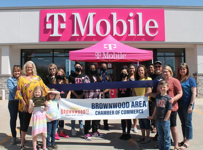 The Brownwood Area Chamber of Commerce held a ribbon cutting for T-Mobile on April. On April 19, T-Mobile held a grand opening celebration. The team invites Brown County to stop by the store to learn about their deals, coverage, and speed. T-Mobile is now America's largest and fastest 5G network. T-Mobile has a commitment to reach beyond wireless by serving veterans, investing in youth programs, having a commitment to renewable energy, and through their emergency response and disaster relief. Stop by and see the friendly team at 303. W. Commerce or call them at 254-731-1483.