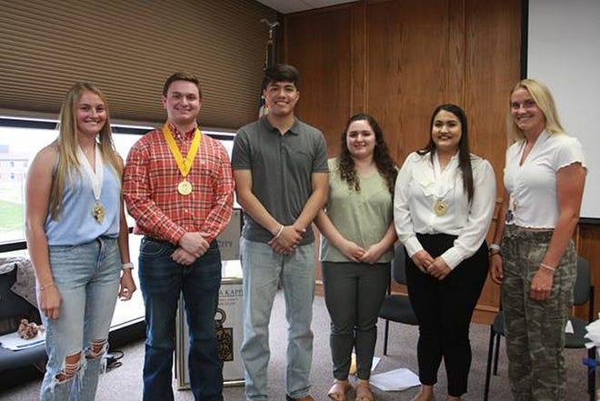 The Kappa Psi Chapter of Phi Theta Kappa (PTK) Honor Society hosted its Spring 2021 Induction Ceremony on Tuesday night in the Dodge City Community College (DCCC) Student Union Board Room.