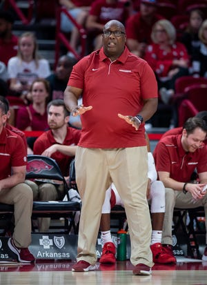 Texas Tech has hired former Arkansas Razorbacks assistant coach Corey Williams, pictured here in a 2019 game, to the staff of new basketball coach Mark Adams.