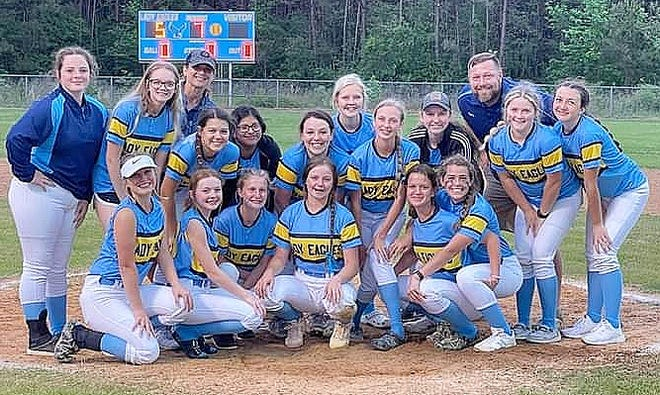The Evans Lady Eagles captured a share of the District 3-C softball title Tuesday with a win over Hornbeck, 5-0.