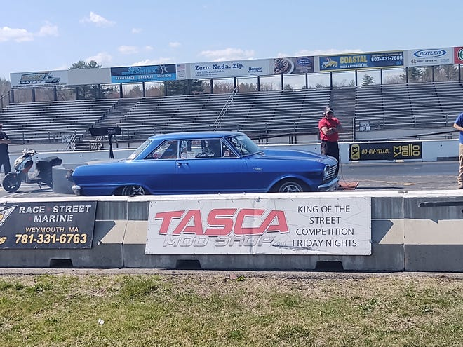 A pair of competitors prepare for launch during Saturday's test and tune session at New England Dragway.