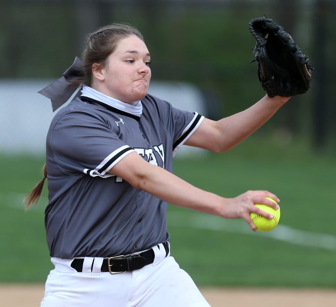 Missy Holzopfel of Perry delivers a pitch during their game against Perry at Hoover on Wednesday, April 14, 2021.
