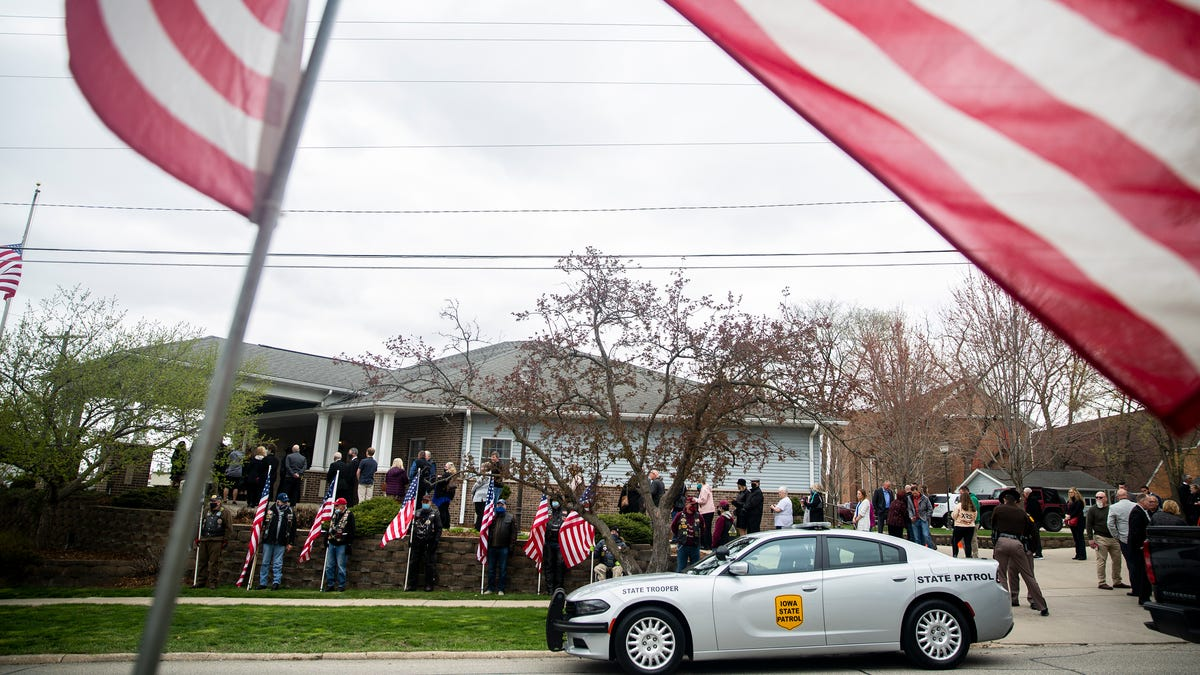 Community honors Iowa State Patrol Sgt. Jim Smith at his visitation in Independence
