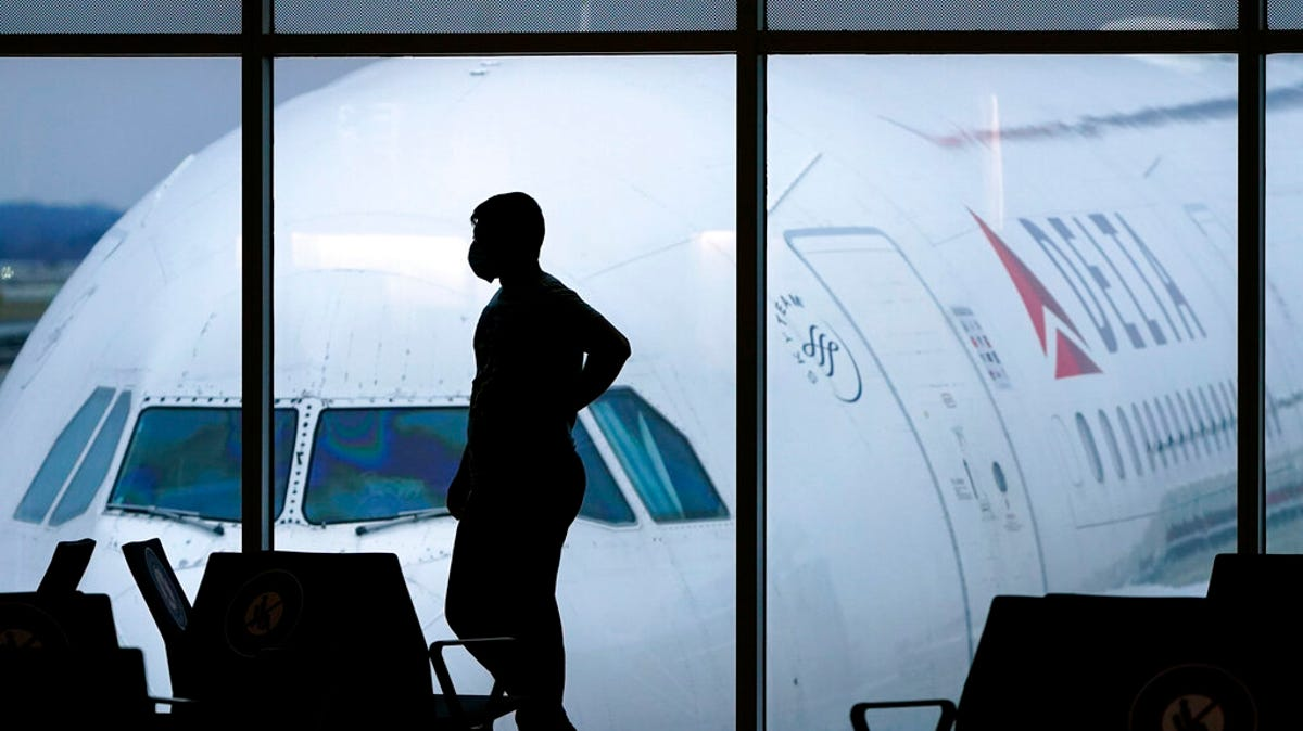 Delta will require new hires to be vaccinated against virus 1
