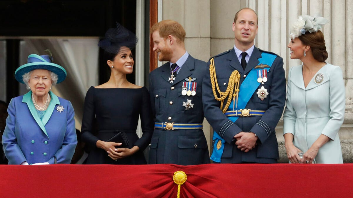 Princes William, Harry won't walk side-by-side at funeral 1