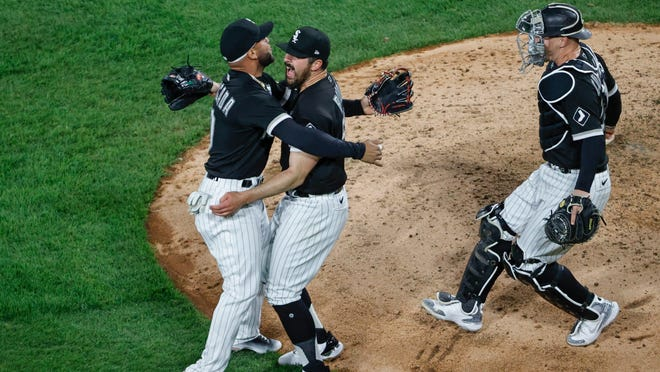 White Sox pitcher Carlos Rodon throws no-hitter vs. Cleveland