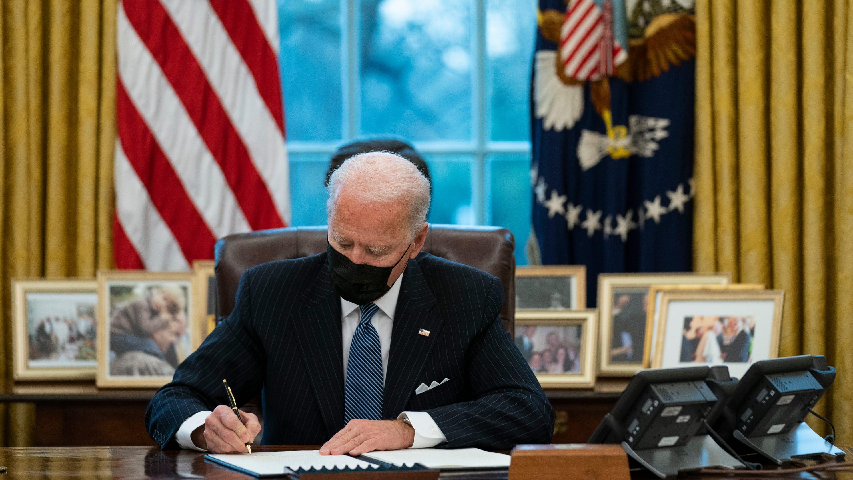 Biden to lift Trump-era refugee cap in May amid pushback from Democrats, advocates