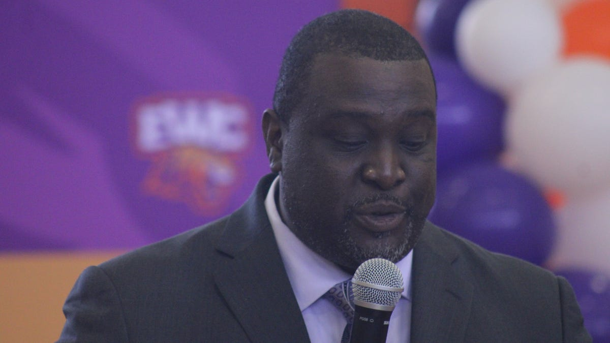 Edward Waters College hires new football coach