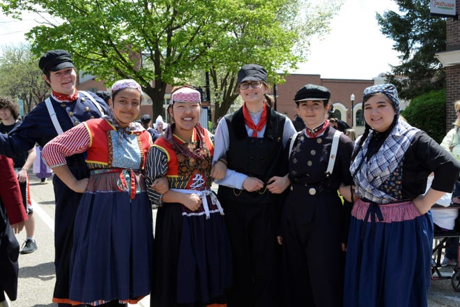 During the 2021 Tulip Time Festival, the Dutch Dance Exhibit will feature a special, illustrated costume book and a variety of handmade costumes.