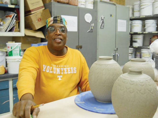 Bill Capshaw, master potter and Oak Ridge resident, regularly teaches pottery to ORICL members who attend his classes at the Oak Ridge Art Center.