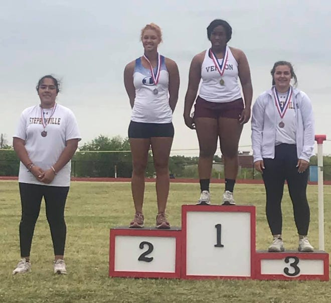 Stephenville's Diana Estrada finished fourth and Maddie Durant finished third to qualify for regionals in the shot put.