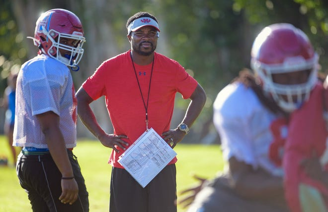 Manatee High School offensive coordinator Jacquez Green oversees a Hurricane practice in 2019.