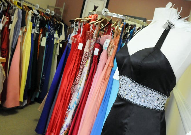 The New Hanover County Board of Education voted 4-3 to allow high schools to host a prom that follows state and local safety guidelines.