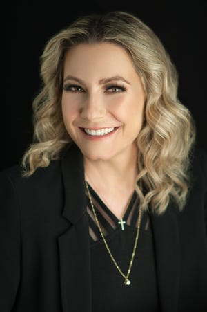 Dr. Renee Gasgarth is a cosmetic, plastic & reconstructive surgery specialist for Dermatology + Plastic Surgery in Melbourne.