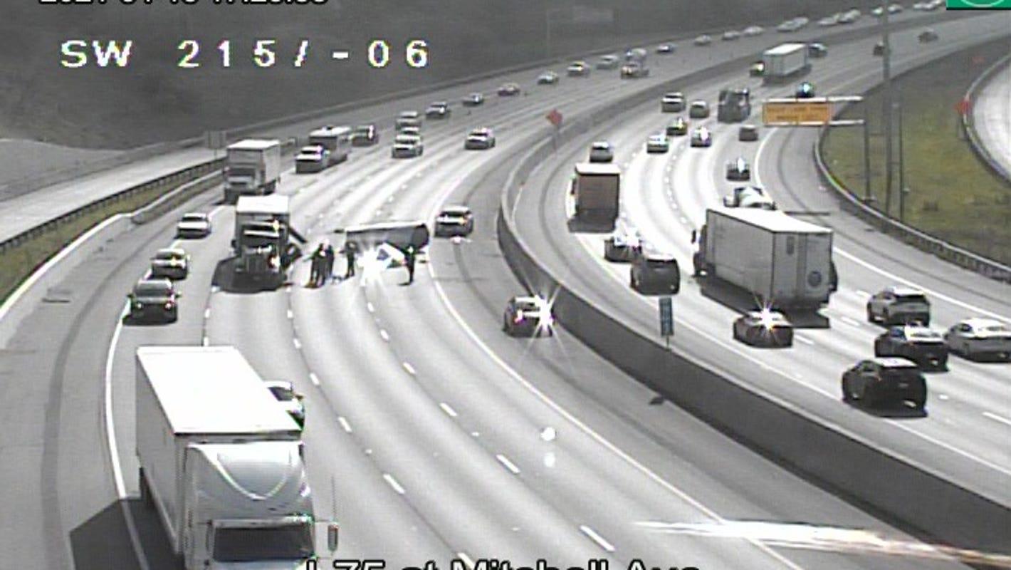 Heavy metal closes I-75 lanes in Cincinnati: Coil fell onto highway