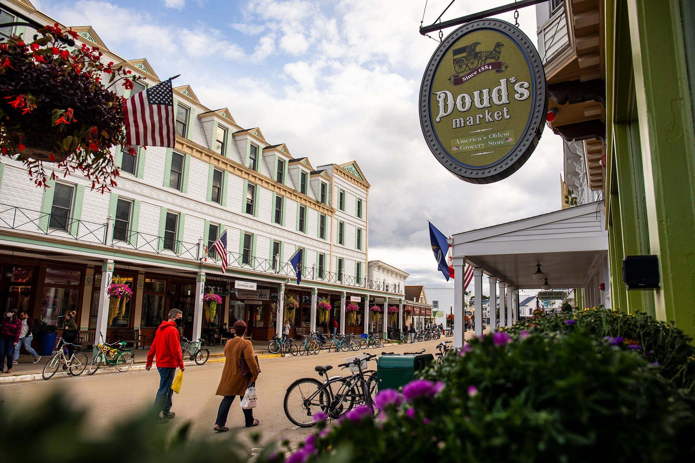 Mackinac Island: Tourists, businesses on Michigan's Upper Peninsula eager to resume normal life after COVID
