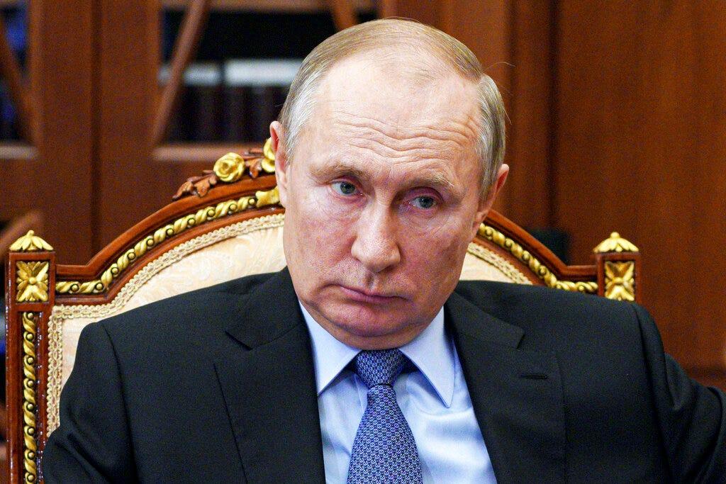 Kremlin to expel 10 US diplomats in response to US sanctions 1