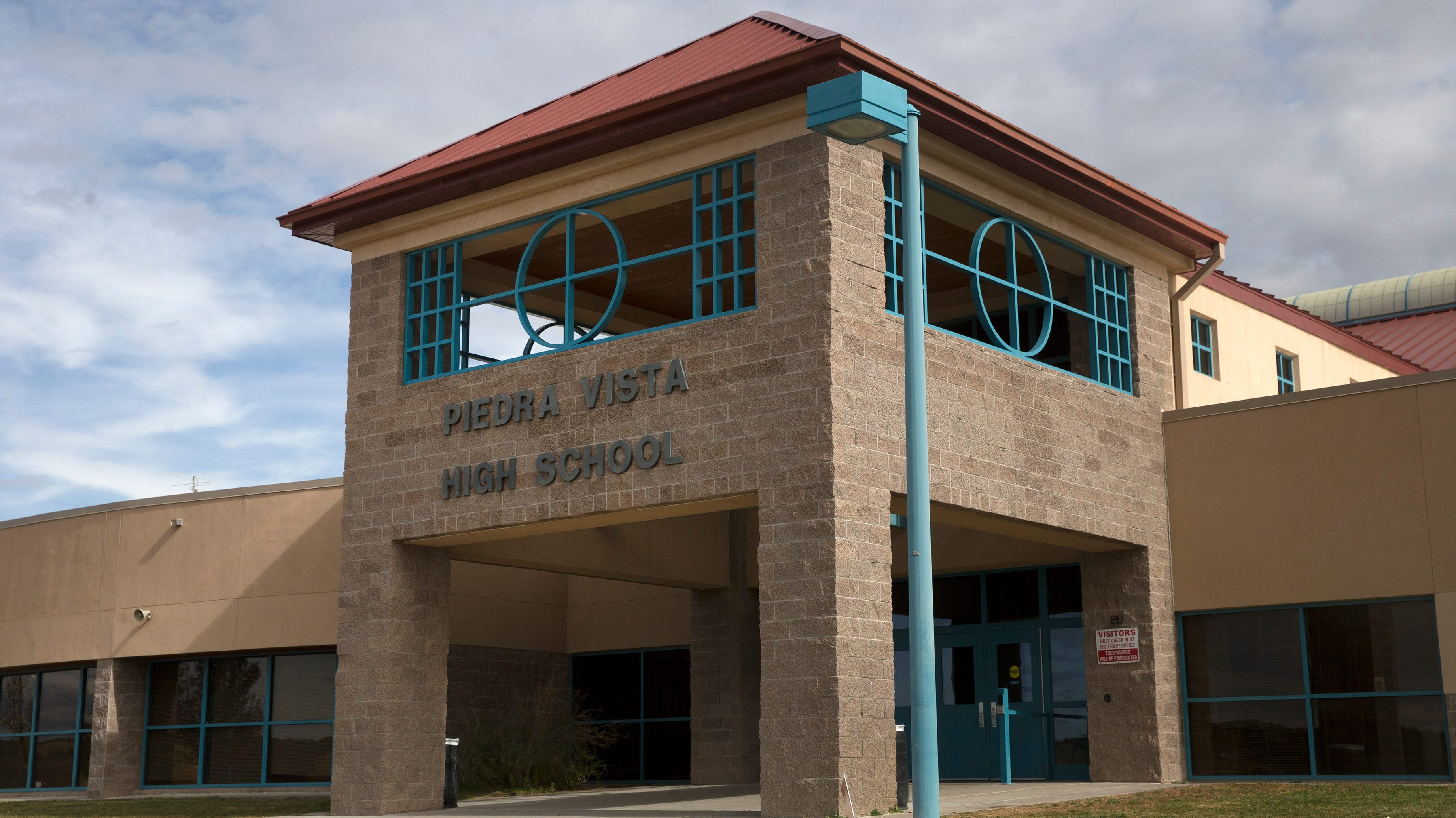 Piedra Vista High School shut down in-person learning