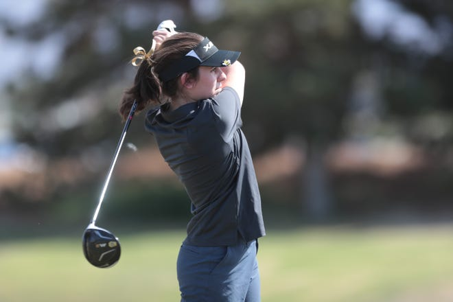 Xavier Prep's Amanda Albers tees off on hole 1 on Thursday, April 15, 2021, at Classic Club in Palm Desert, Calif.