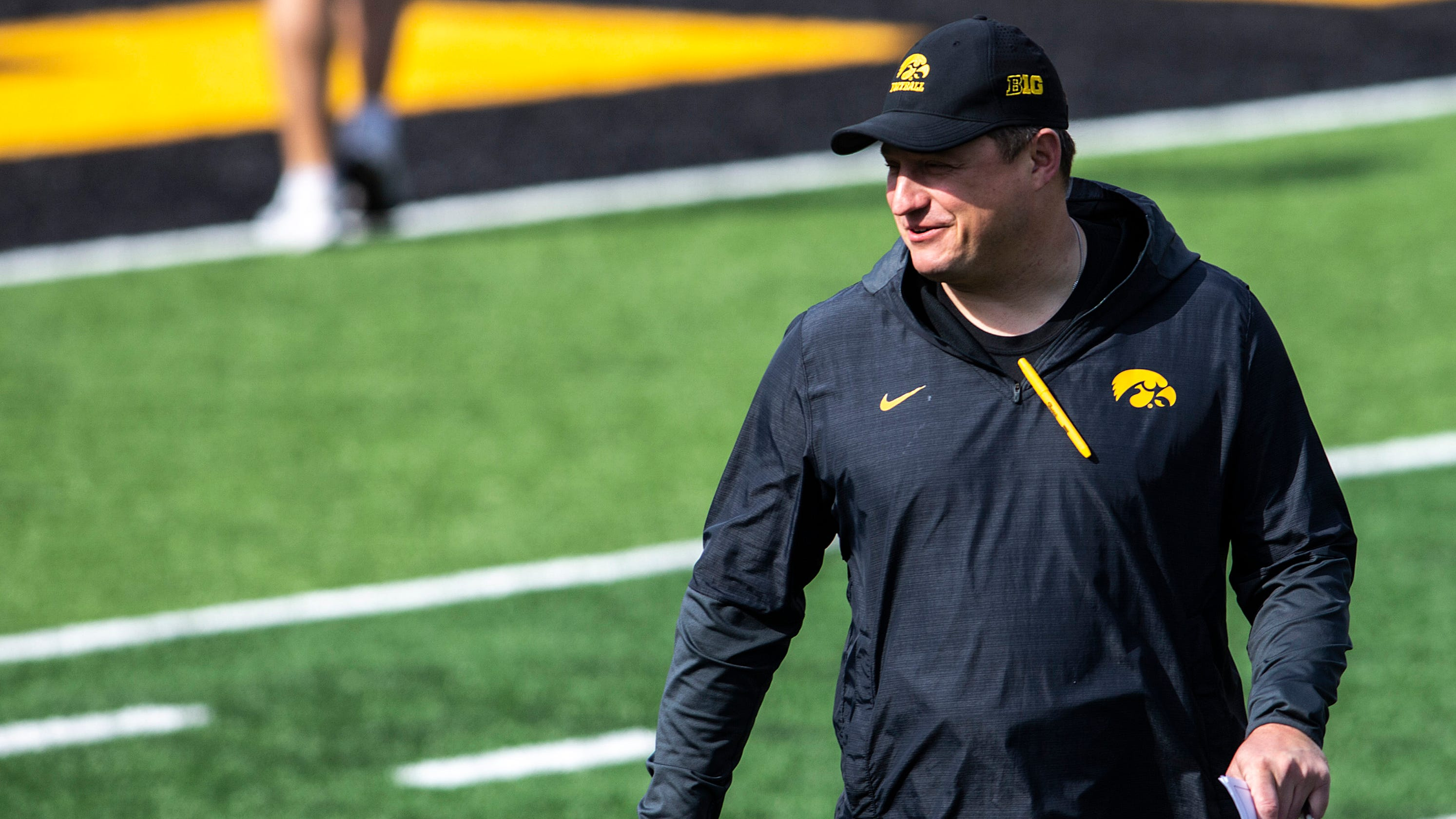 Leistikow: How Brian Ferentz continues to push offense to evolve for Hawkeyes