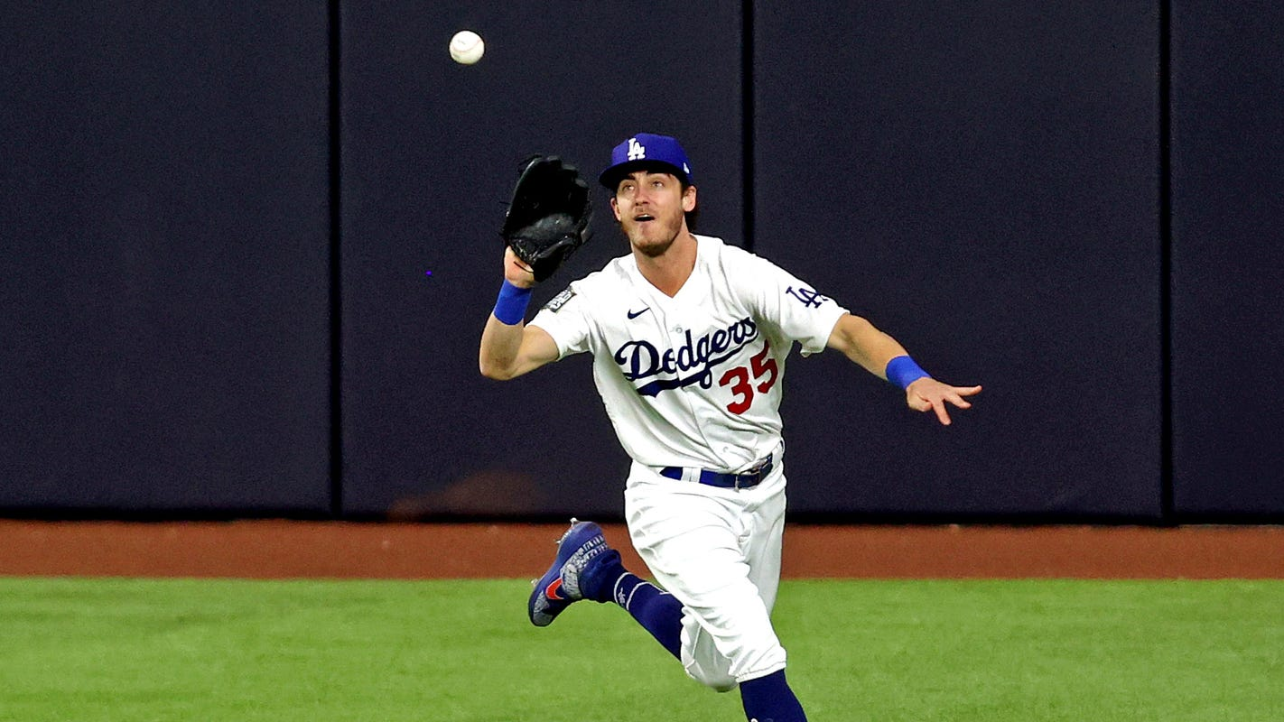 Los Angeles Dodgers star Cody Bellinger has hairline fracture in left leg; no timetable for return