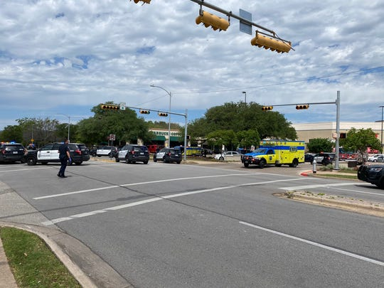 Austin police and medics responding to reports of an active shooter incident on Sunday block traffic on Great Hills Trails in Northwest Austin. Officials say shooting scene is apartment complex.
