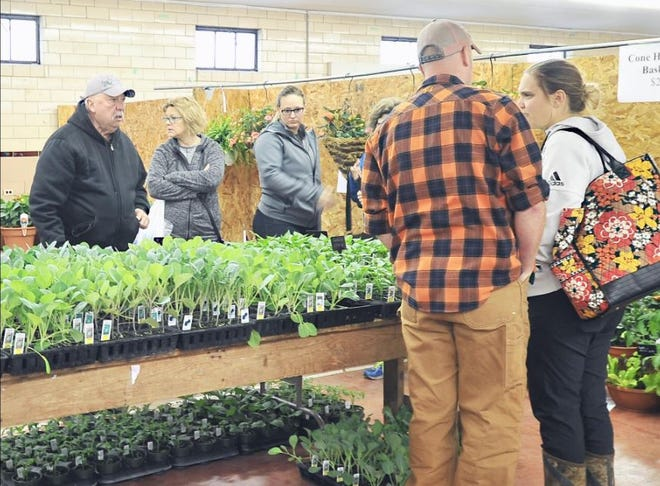 The Wayne County Home & Garden Plant Show will feature products from Buchwalter Greenhouse, Quailcrest Farm, and Rural King.