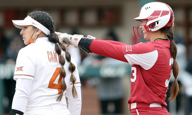 OU shortstop Grace Lyons (3) went 2-for-2 with two RBI Saturday in the Sooners' 10-2 win over Texas on Saturday in Norman.