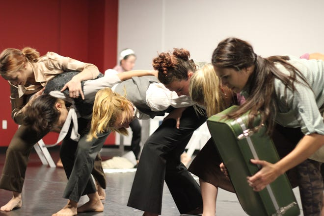"""Sarasota Contemporary Dance ensemble members rehearse """"Hot List"""" for a performance."""