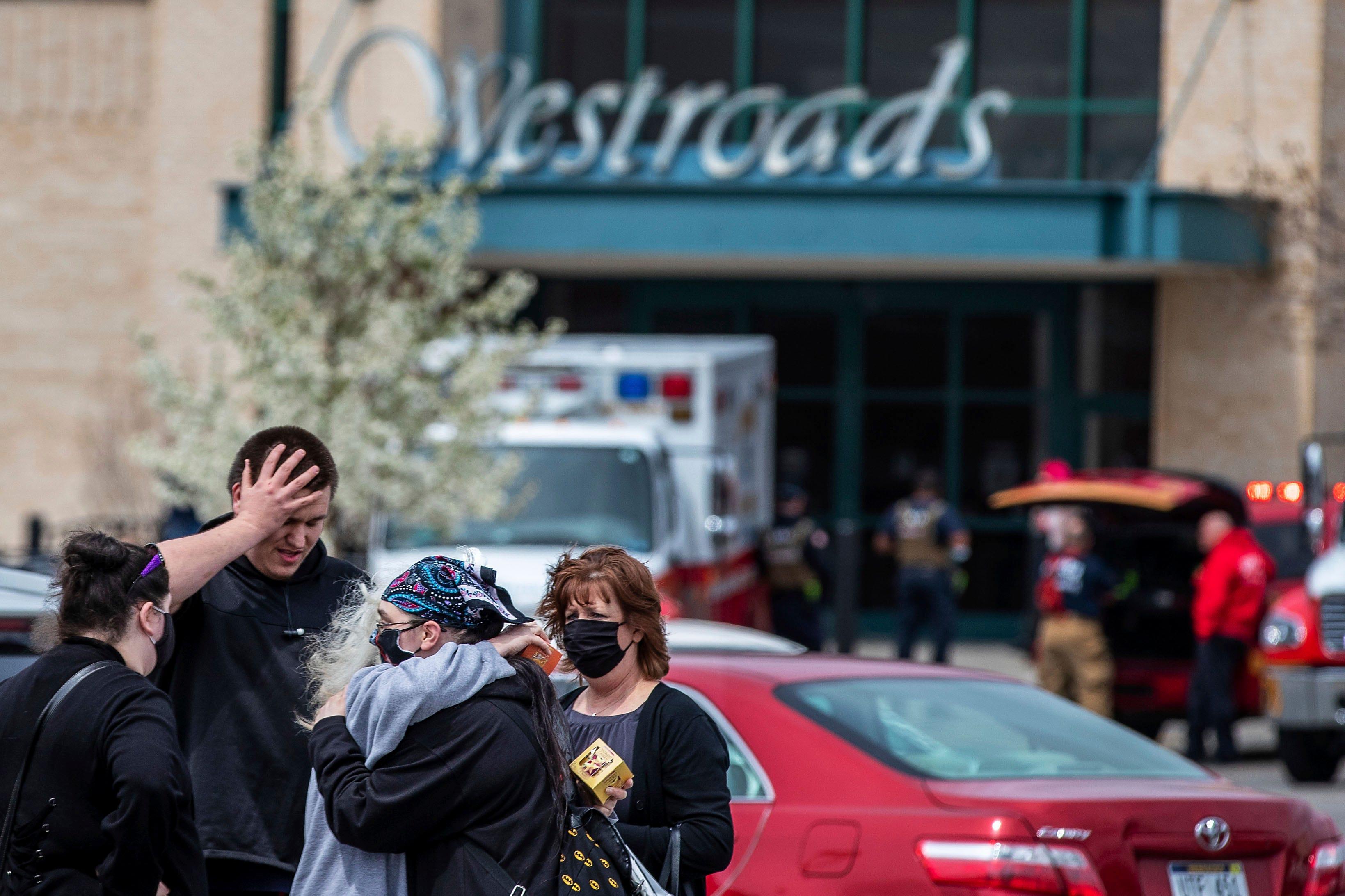 Teen arrested on murder warrant in Nebraska mall shooting 1