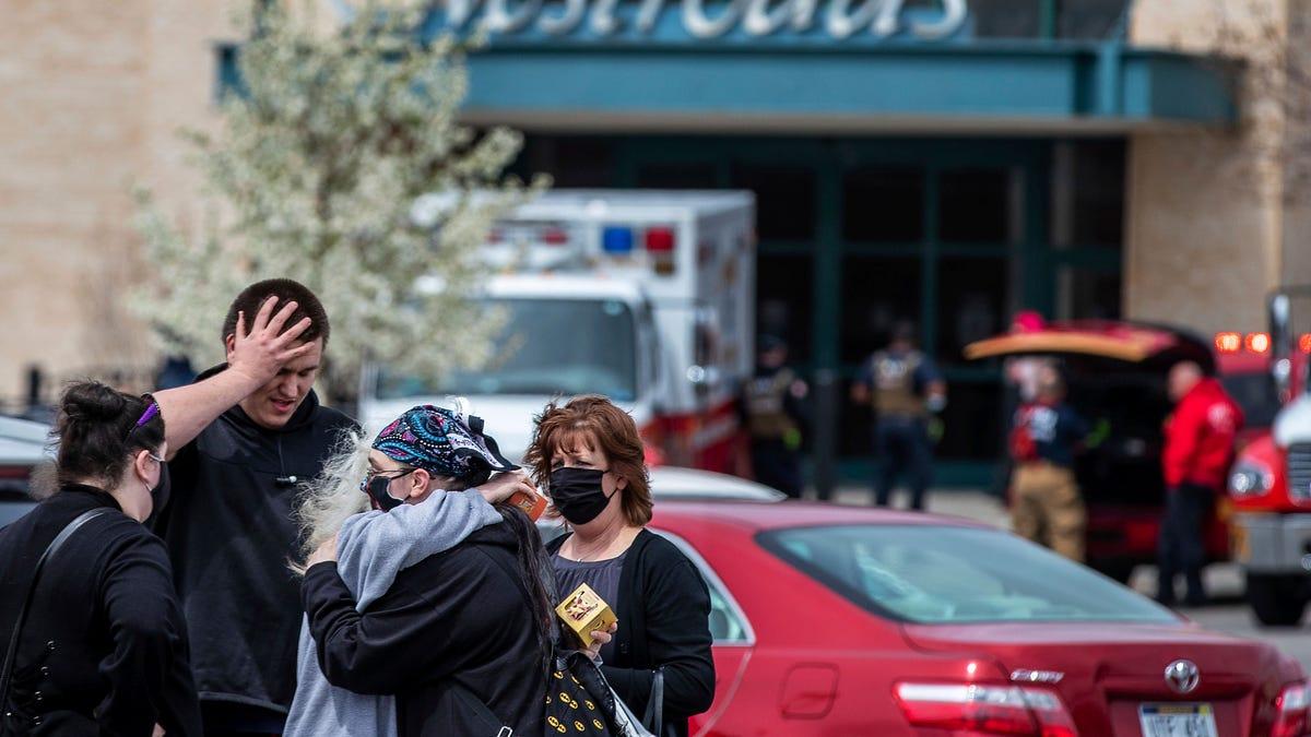 Teen arrested on murder warrant in Nebraska mall shooting 2