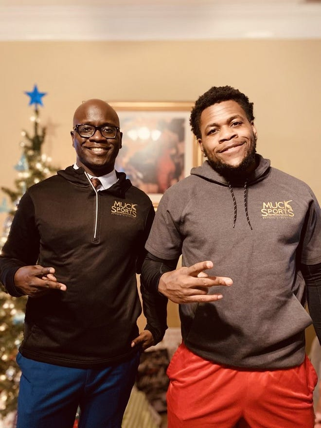 Who Plays On Christmas Day 2021 Nfl 2021 Nfl Draft Sports Agent Markenson Pierre Signs First Client