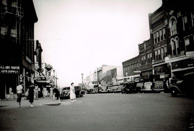 Main Street was a busy thoroughfare in 1941.