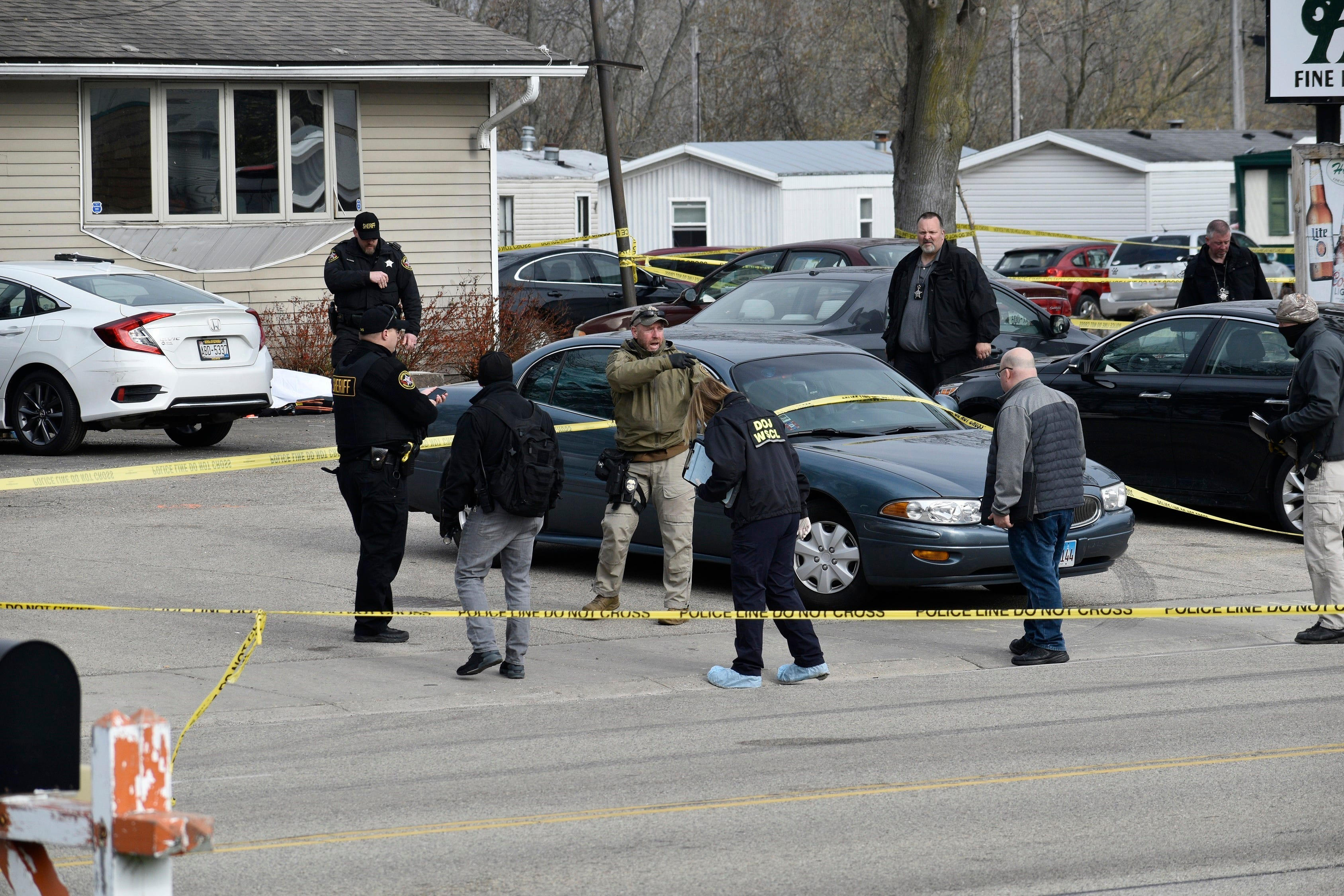 Suspect apprehended in fatal shooting at Wisconsin tavern 1