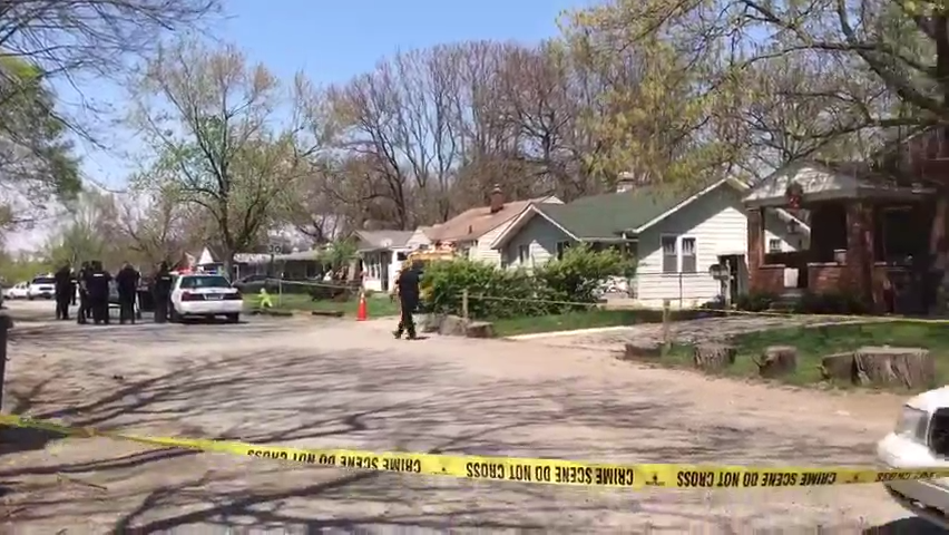 Raw video: Police respond to scene of two people fatally shot on northeast side Monday afternoon