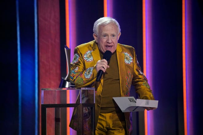 Leslie Jordan presents the award for Duo of the Year to dan and Shay during the 56th ACM awards in Nashville on Sunday, April 18, 2021.