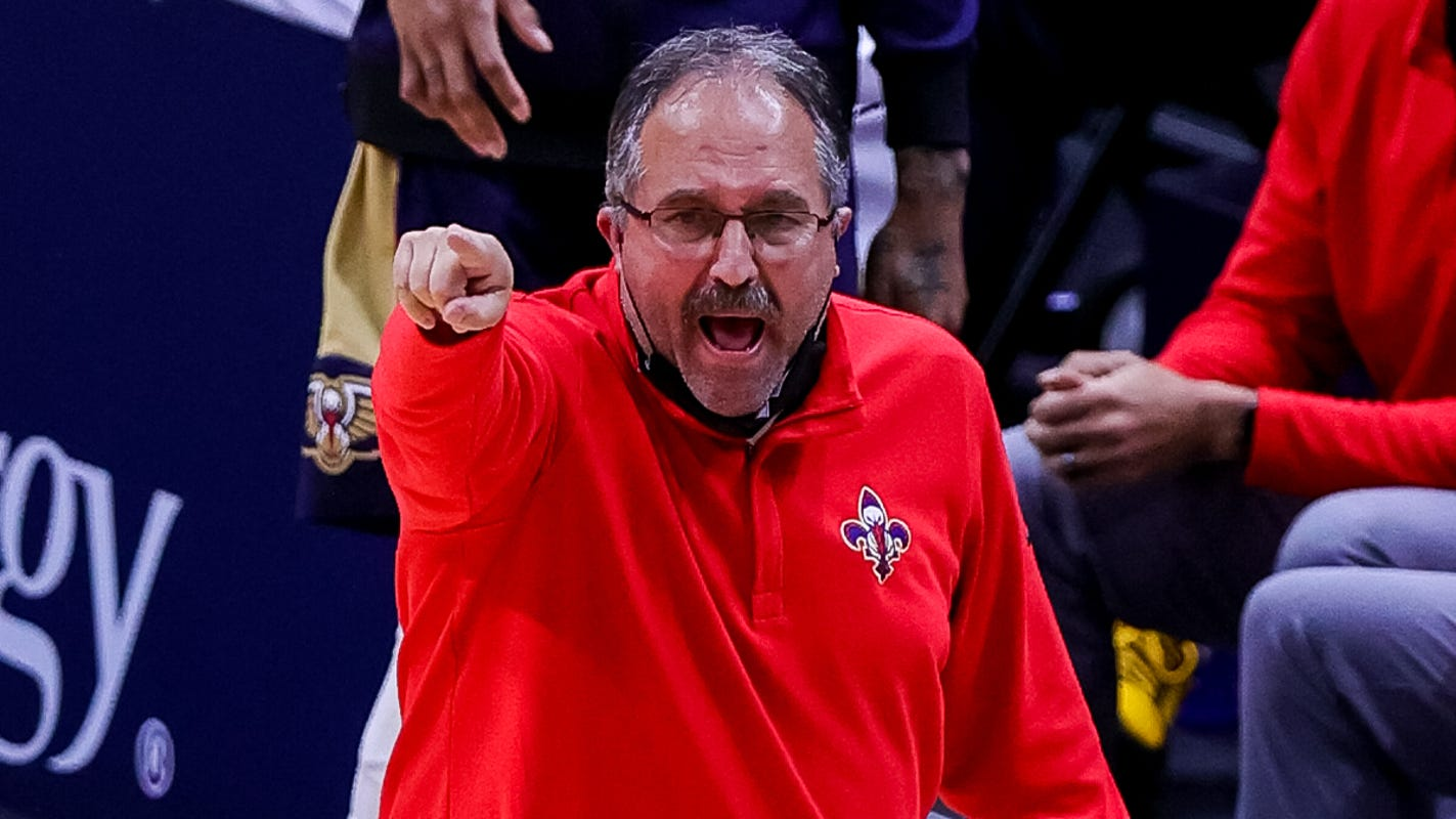 Pelicans coach Stan Van Gundy on late-game defensive mistakes: 'We deserved to lose'