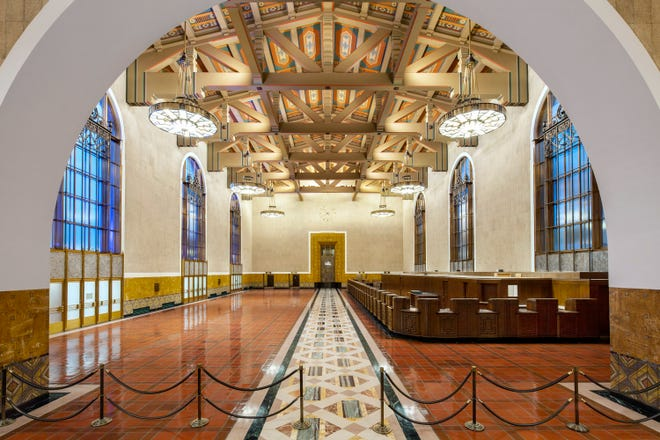 The historic Ticket Hall will serve as the center for the Oscar ceremony, with 62-foot high ceilings (large enough to fit a five-story building), a 115-foot long ticket counter made of American Black Walnut  and 40-foot high windows made of diffused glass.