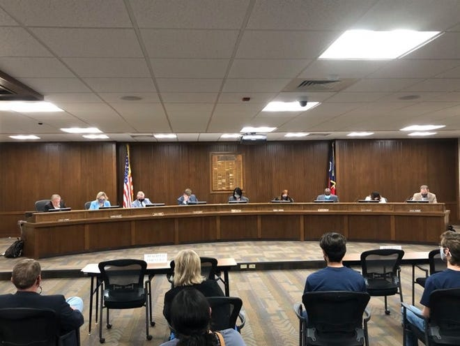For the first time in more than a year, members of the Amarillo Independent School District's Board of Trustees sit on the same level during Monday's meeting.