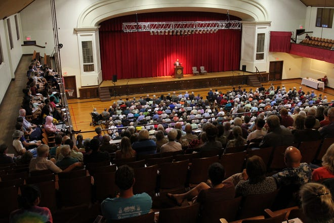 When Leonard Pitts Jr. spoke inBethelCollege's Memorial Hall on Sept. 12, 2017, the venue was more full than it had been in over half a century, when Martin Luther King Jr. spoke on the same stage..