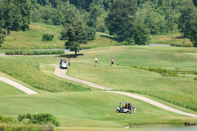 Robert Trent Jones Golf Trail at Silver Lakes on June 11 will host the eighth annual United Way of Etowah County golf tournament.