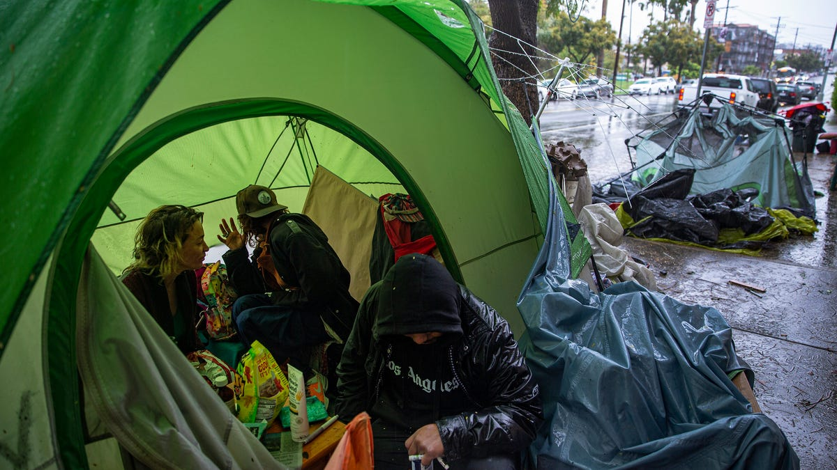 LA homeless spending could hit $1B as crisis spreads 2