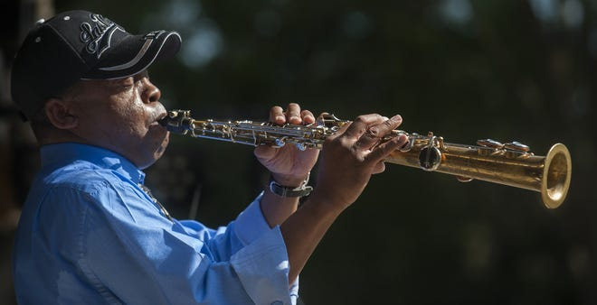 Ron Handy will perform Saturday in Montgomery at the Seafood and Arts Festival.