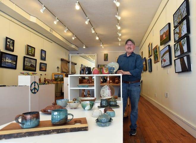 Jeff Watkins is an artist and co-founder of ART@43023, a gallery in down town Granville. On display are a variety of differenttypes of art including paintings, prints, photographs, jewelry, wood work, pottery, sculpture, and kiln-fired and stained glass.