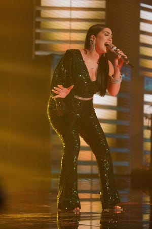 """During last season's Hollywood Week, Faith Becnel, 21, forgot the lyrics toJanis Joplin's """"Cry Baby"""" mid-performance after learning the song that morning. On Monday's episode,the restaurant managersoughtto make up for thepast slip up, singing the song once again for the judges."""